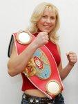 Наталья Рогозина предпочла мужчин - в подготовке к бою